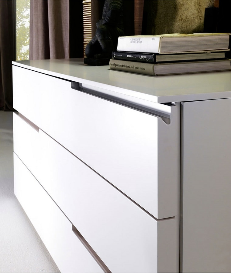 BLOOM chest of drawers, White lacquered chest of drawers