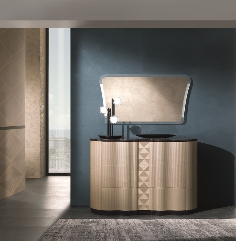 CO29 Mistral, Chest of drawers characterized by the soft curvy lines
