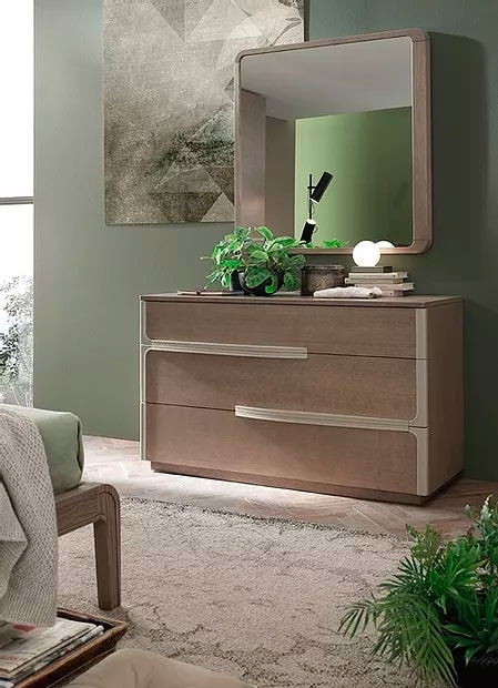 Even, Dresser with a minimal design