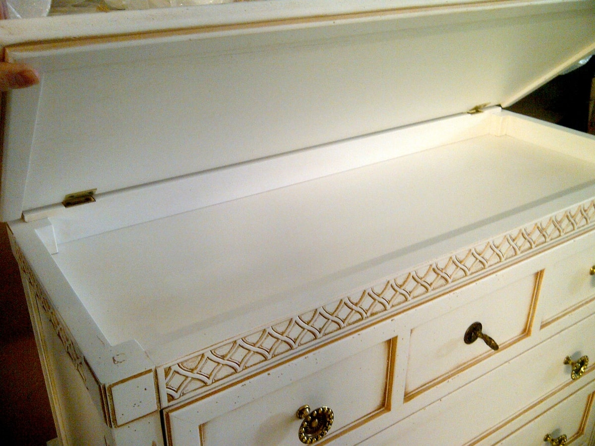 Giorgio FA.0069, Dresser with flap and secret, luxury classic style