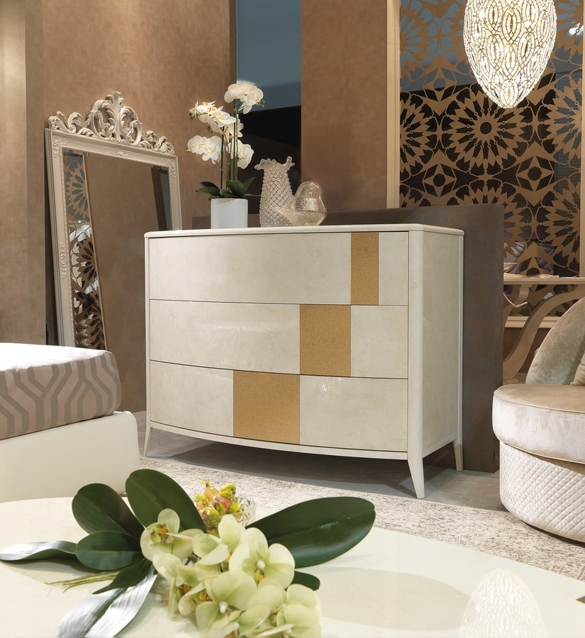 Gold Art. 6605, Lacquered chest of drawers, with silver detail