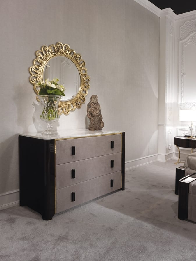 Hotel de Ville Dresser, Luxury dresser with drawers upholstered in leather