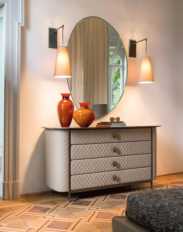 Penelope, Chest of drawers in diamond-quilted leather