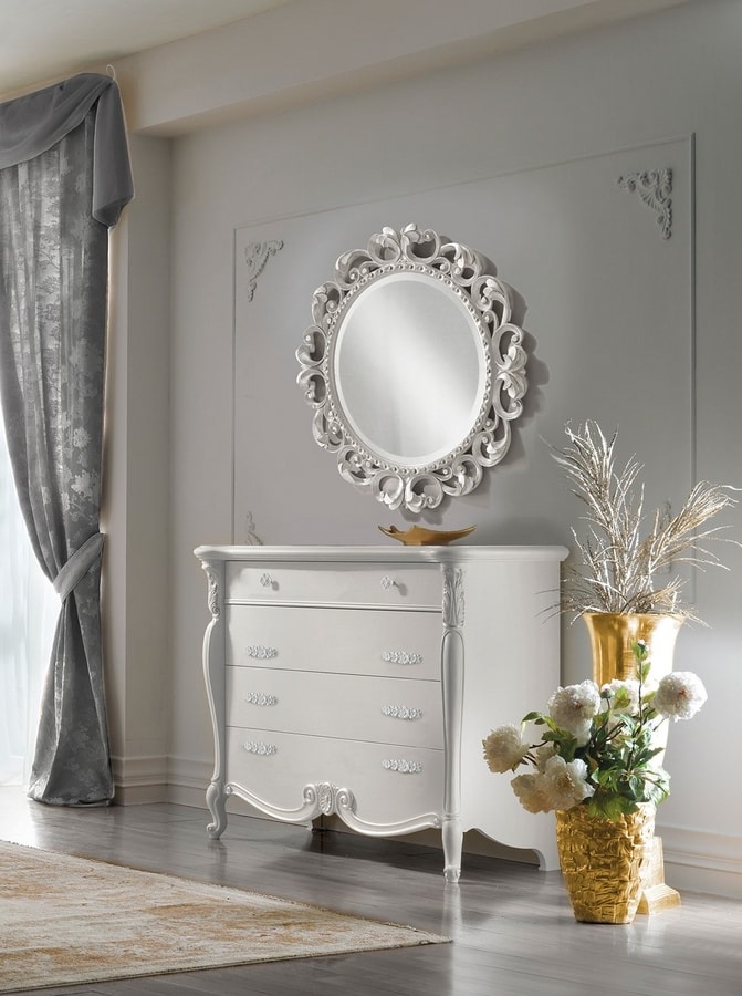 Puccini Art. 7505, Dresser with elegant carvings