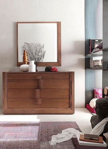 Tea Stilo, Dresser with large wooden handles