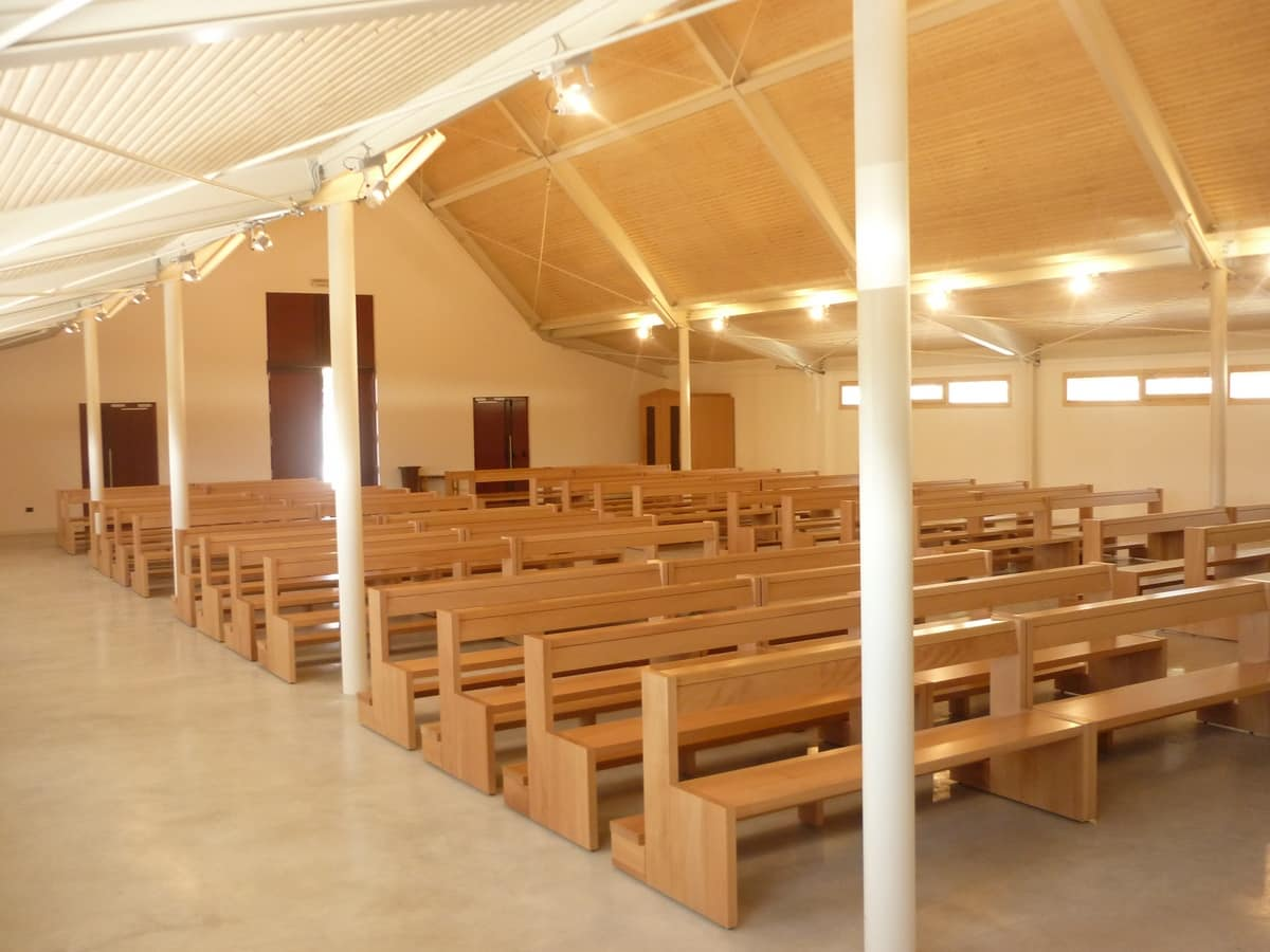San Gottardo Bench, Contemporary bench in solid wood, for churches