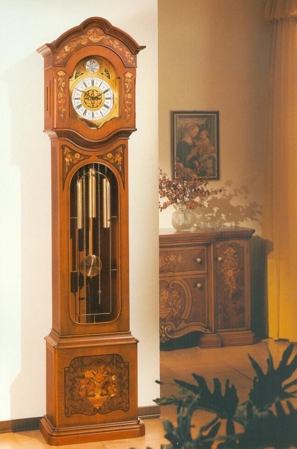Art. 82, Pendulum clock inlaid by hand