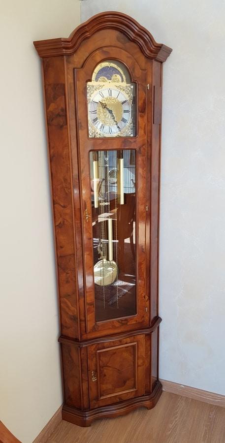 Pendolo, Angular pendulum clock, in classic style
