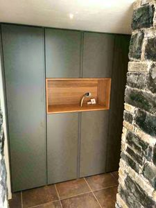 Art. A07, Cabinet with hinged doors
