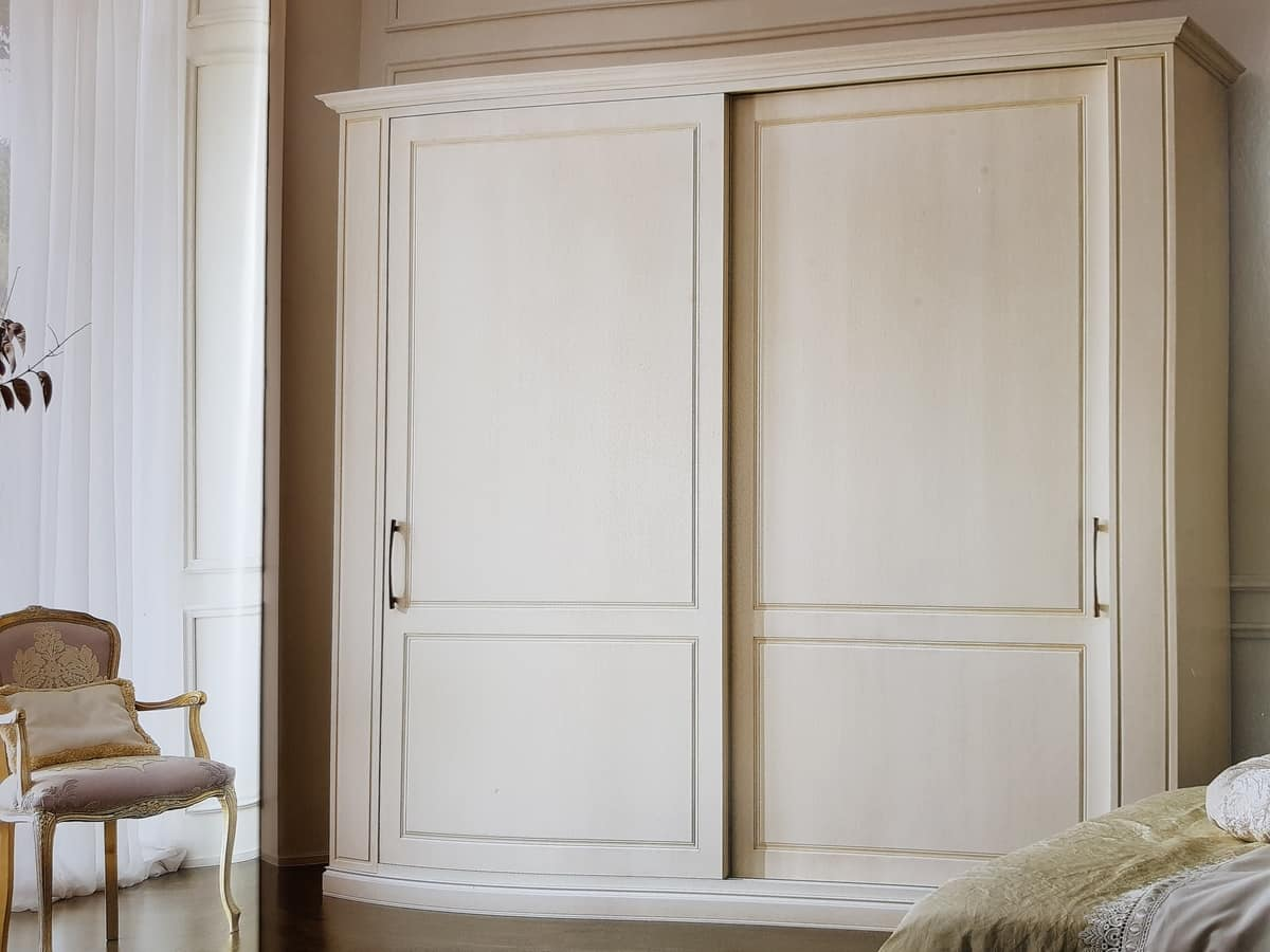 Clea, Classic wardrobe with sliding doors