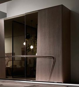 Desi, Wardrobe with sliding doors