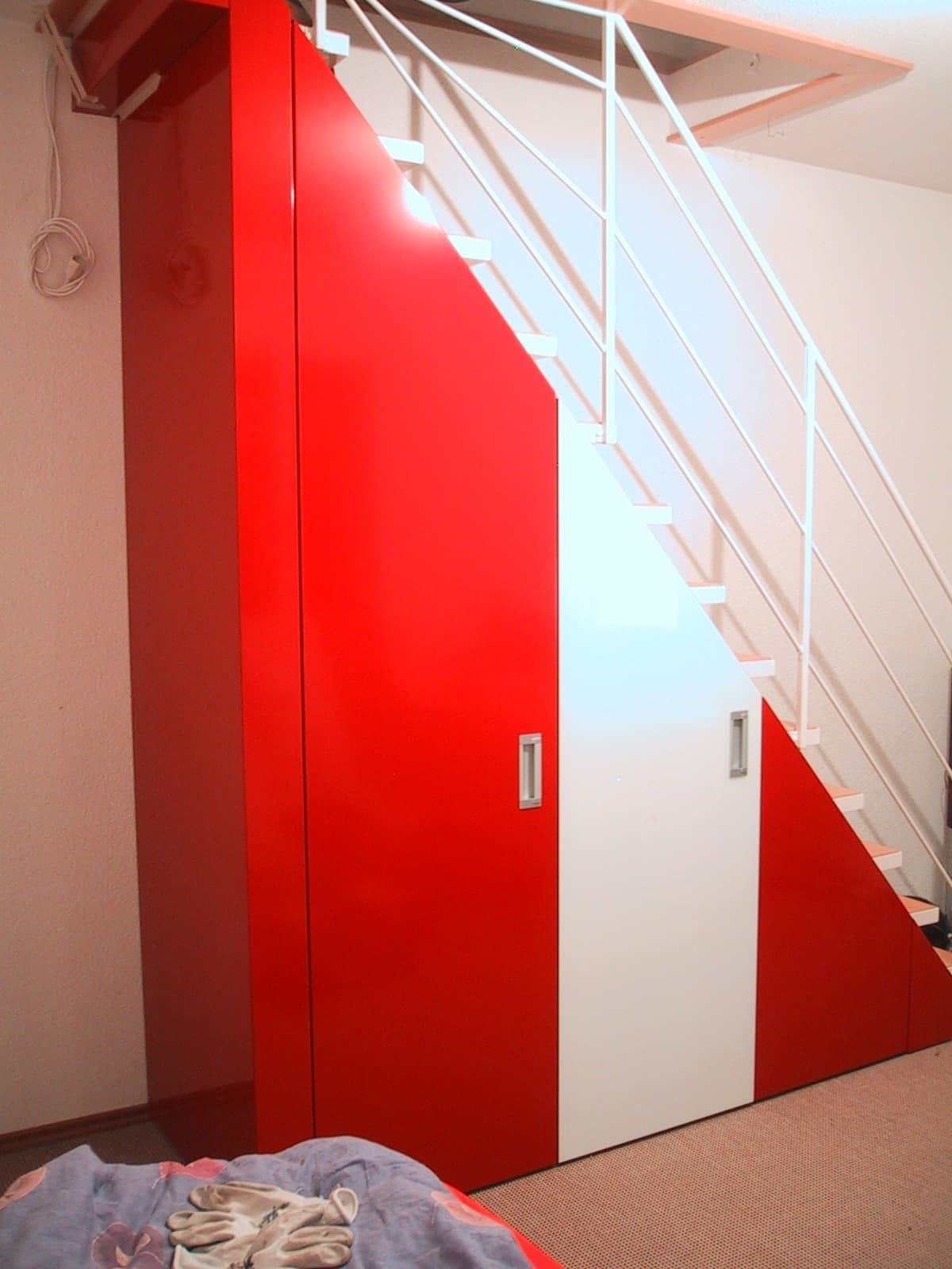 Under-stair bespoke closet, Closet under the stairs, tailormade