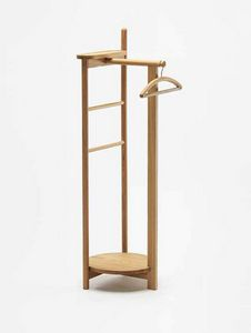 Laurel, Wooden valet stand
