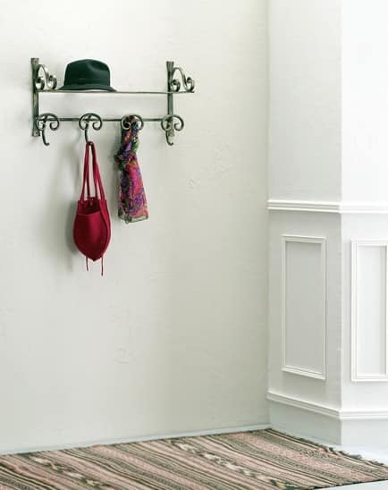 Senna hatbox, Metal hat hanger in classic style