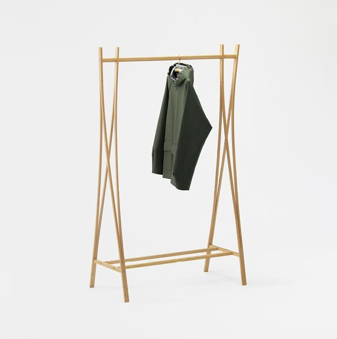 Tra-ra, Wooden clothes stand