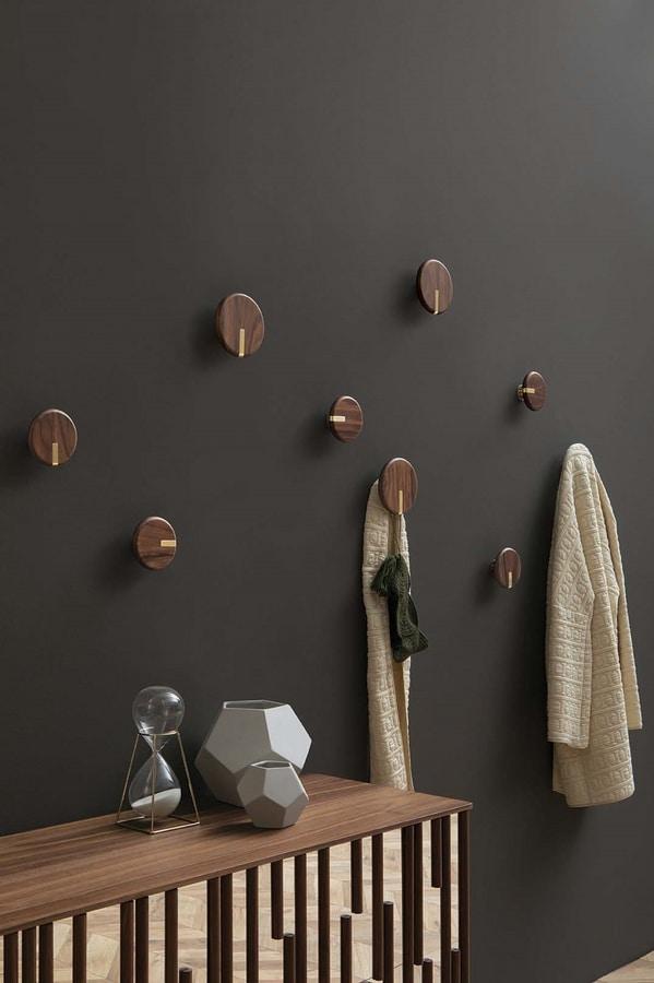 TWEENS, Coat hanger in solid wood