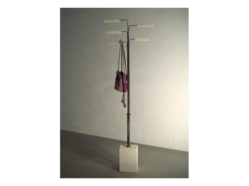 Zeta, Coat stand with a stone base, column in brushed iron
