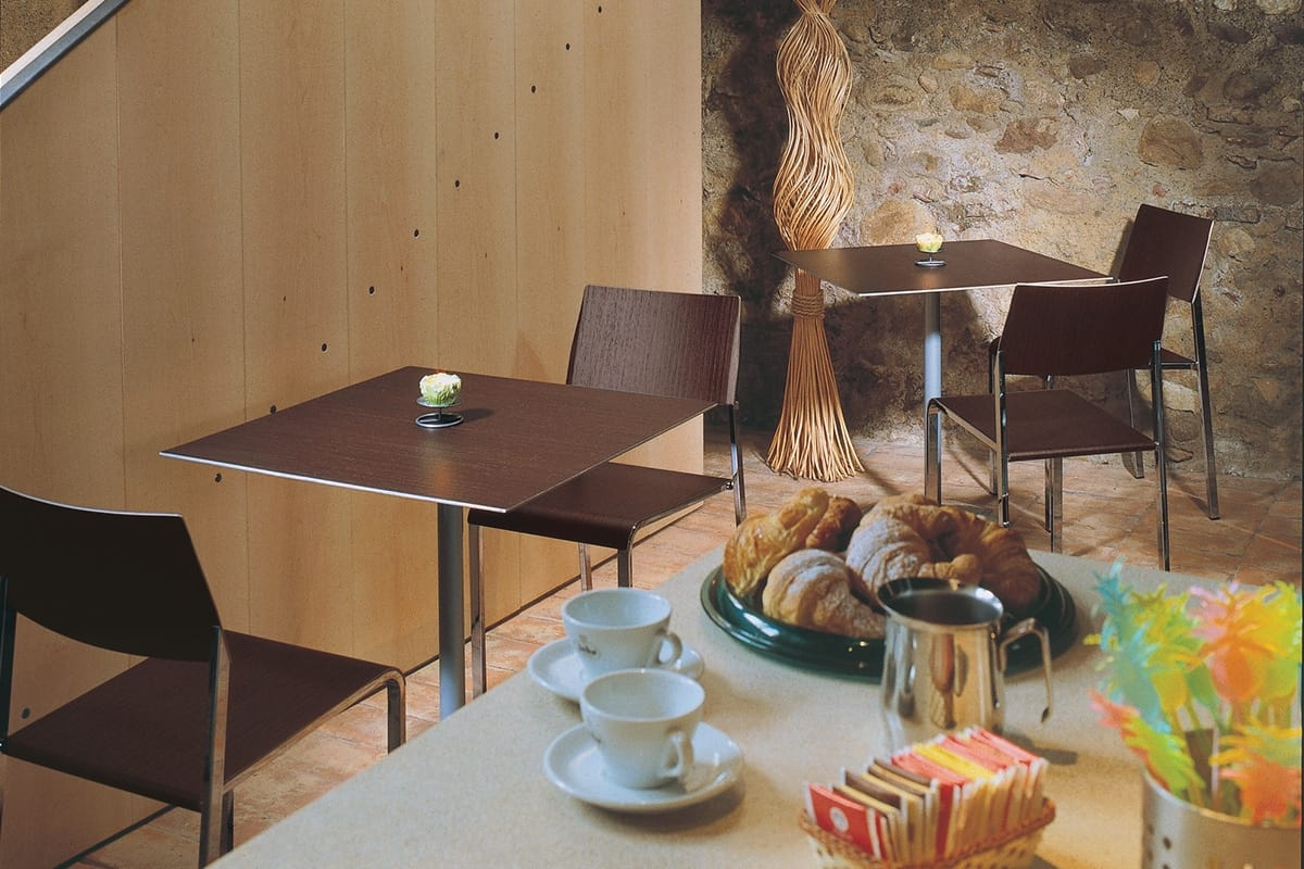 Cappuccino, Fireproof table for cafes and bars