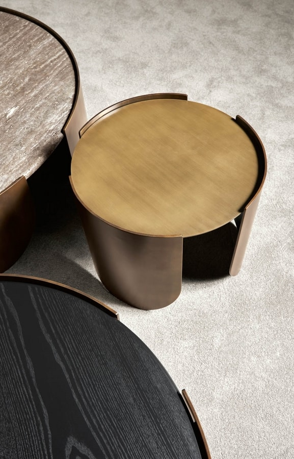 Atenæ coffee table, Round table with minimal design