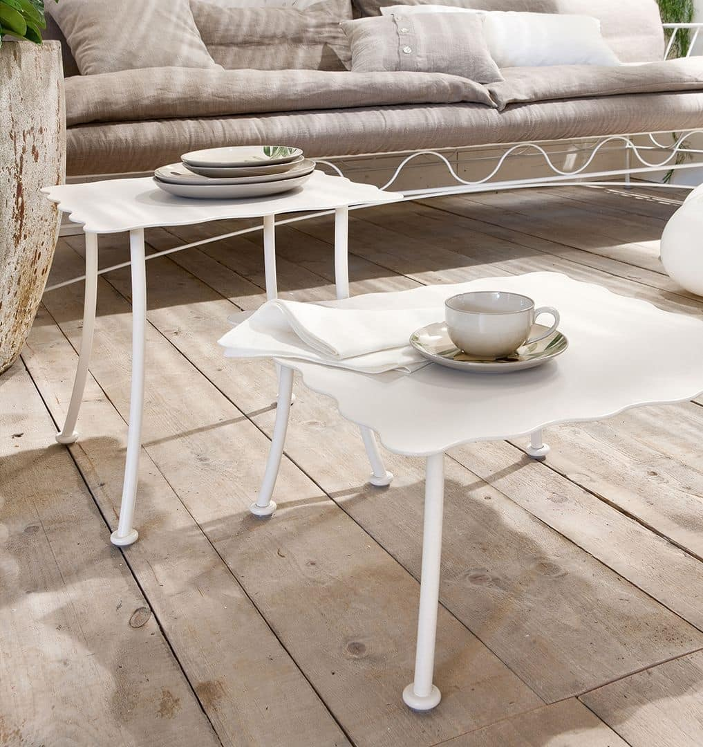 Bahamas table, Table for center hall, iron shaped top