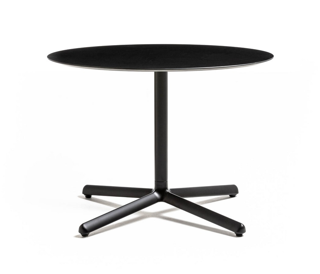 Clivo 38, Coffee table with metal base