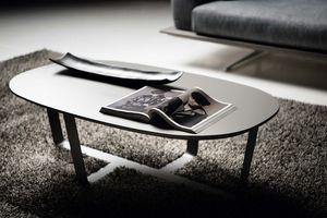 DCV 600, Coffee table with lacquered top