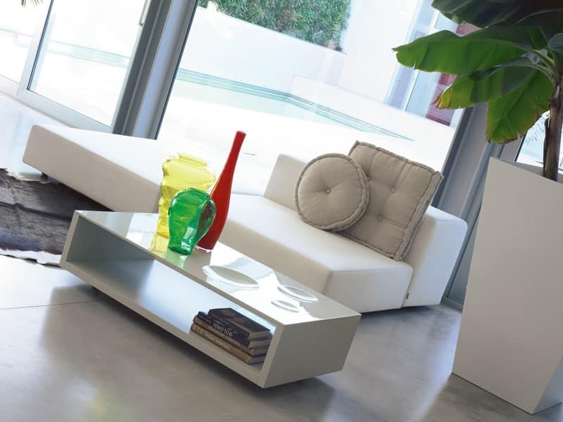 Frizzante, Coffee table with wheels, lacquered top