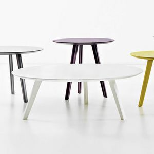 Trio, Round wooden coffee tables