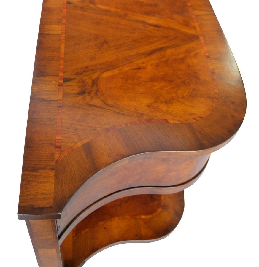 Amelia FA.0001, Louis XVI style console