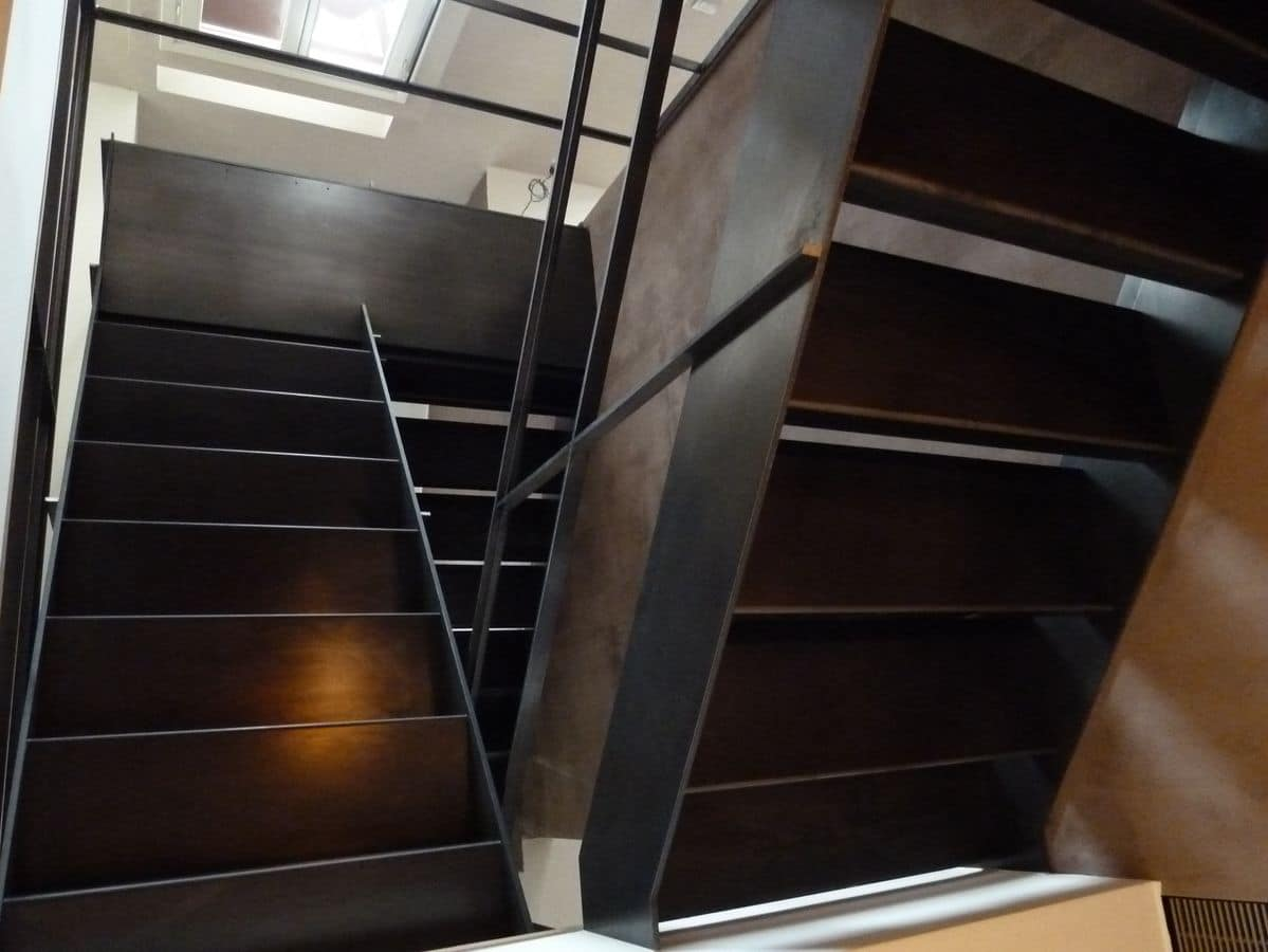 Crude iron stairs customizable stair in raw iron with handrails steps and railing