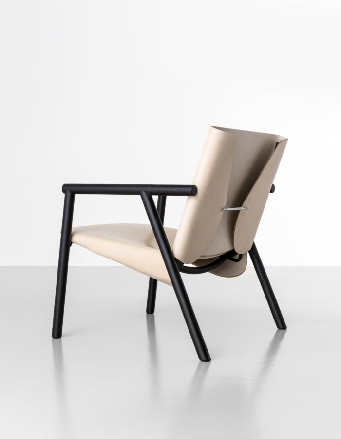 1085 Edition lounge, Leather lounge chair