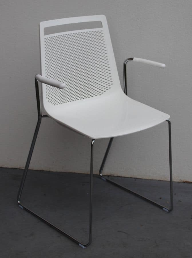 Akami SS, Chair with sled base in steel, with armrests
