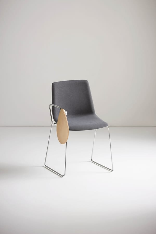 Akami SST, Chair with writing tablet