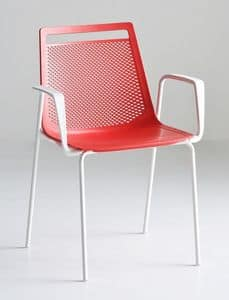 Akami TB, Chair with arms, with metal legs and plastic shell