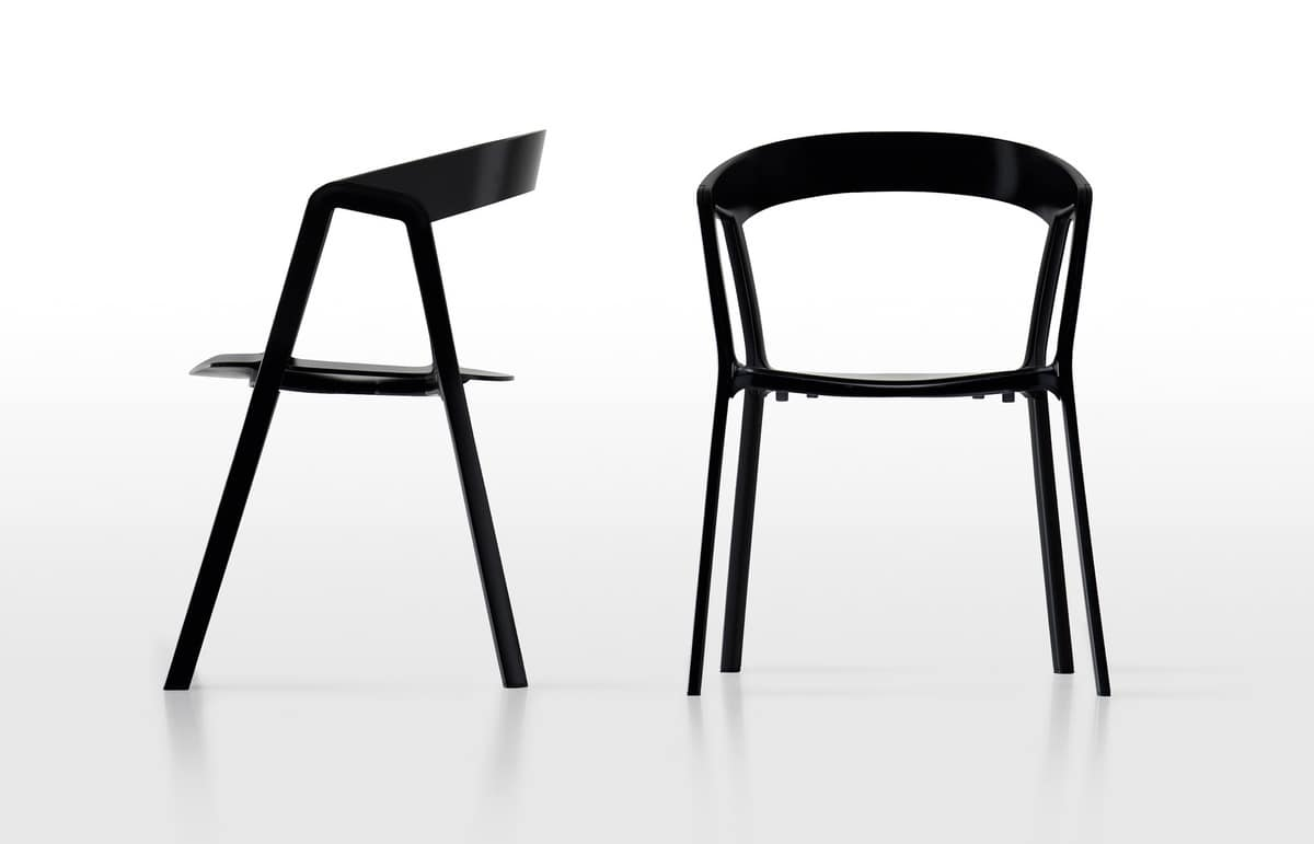 Compas, Chair of durable plastic with aluminum legs