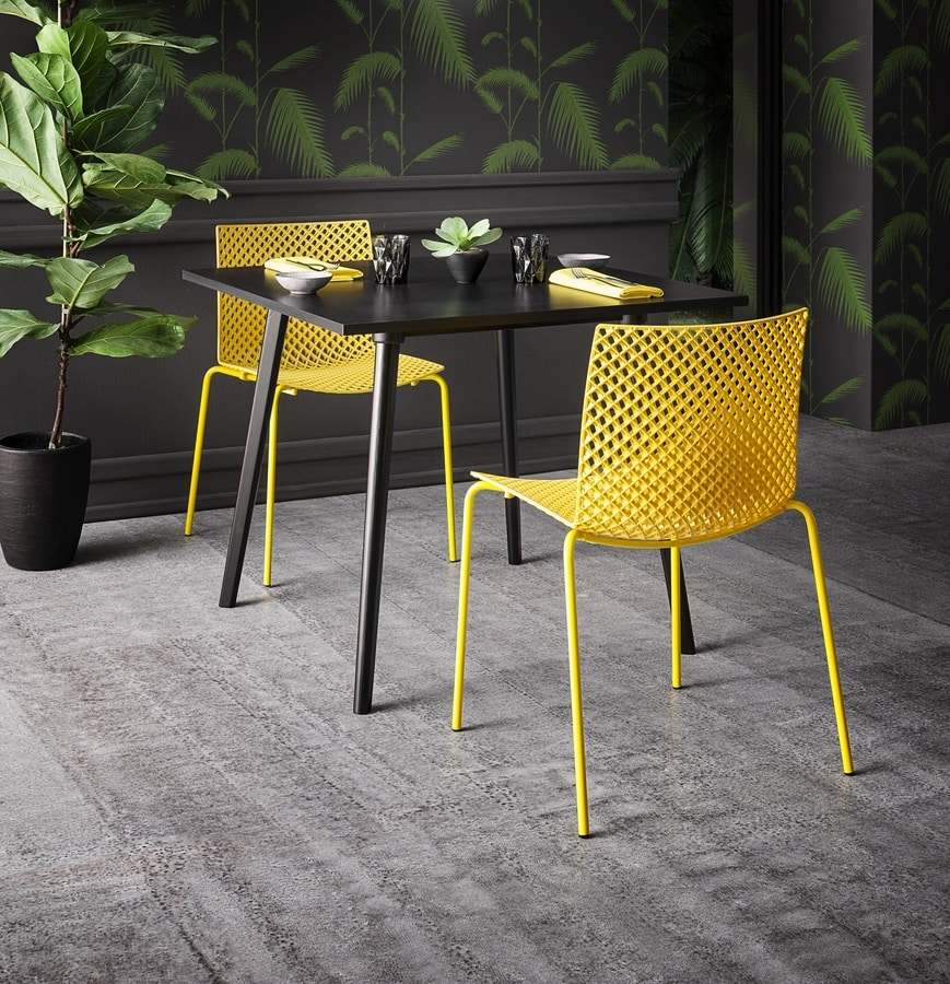 Fuller NA, Sophisticated chair in plastic and metal