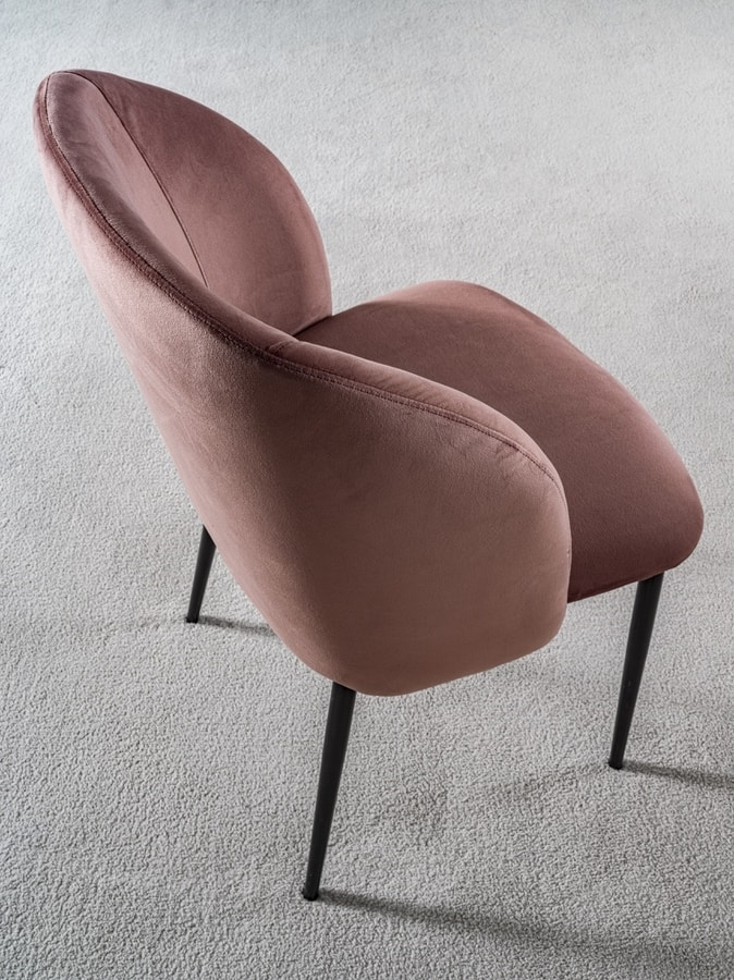 Art. 380 Pigalle Uno, Upholstered enveloping chair