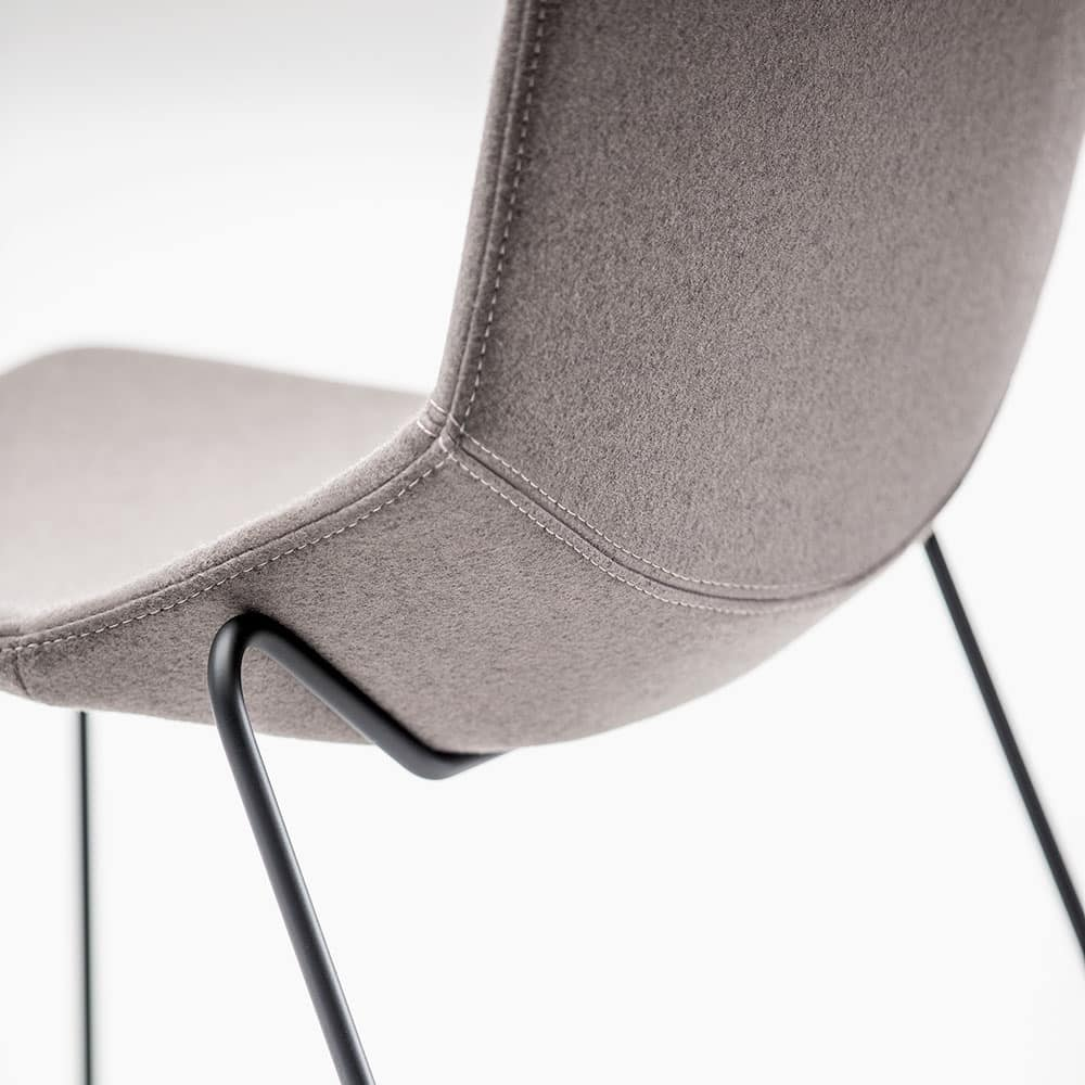 Formula Slim 4L, Chair with upholstered seat, for contract use and residential