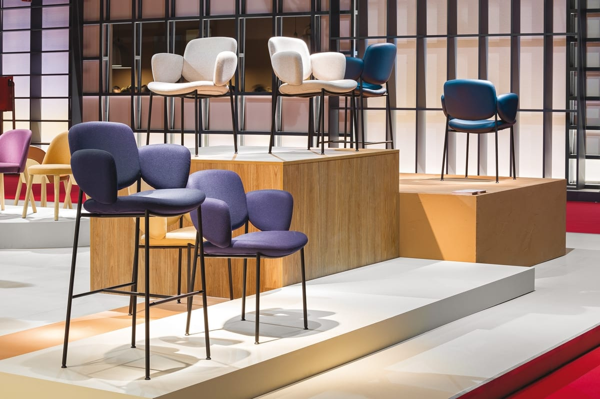 Macka, Design chair, comfortable and enveloping