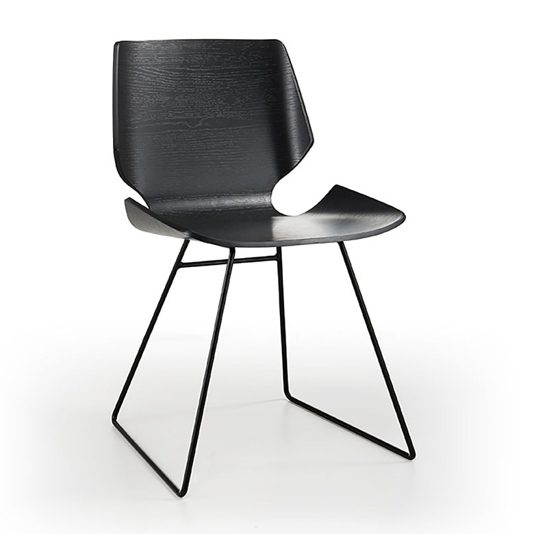 Linz, Elegant and dynamic chair