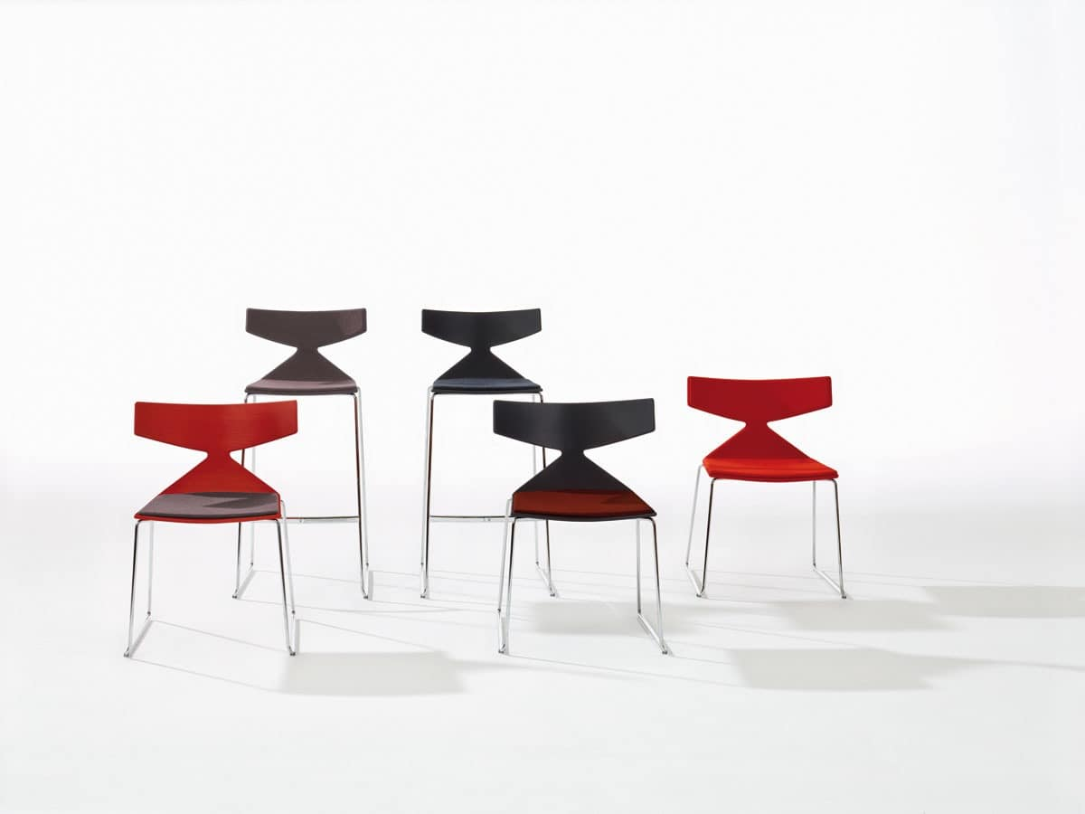 Saya Sled Base, Chairs with metal base, in various colors