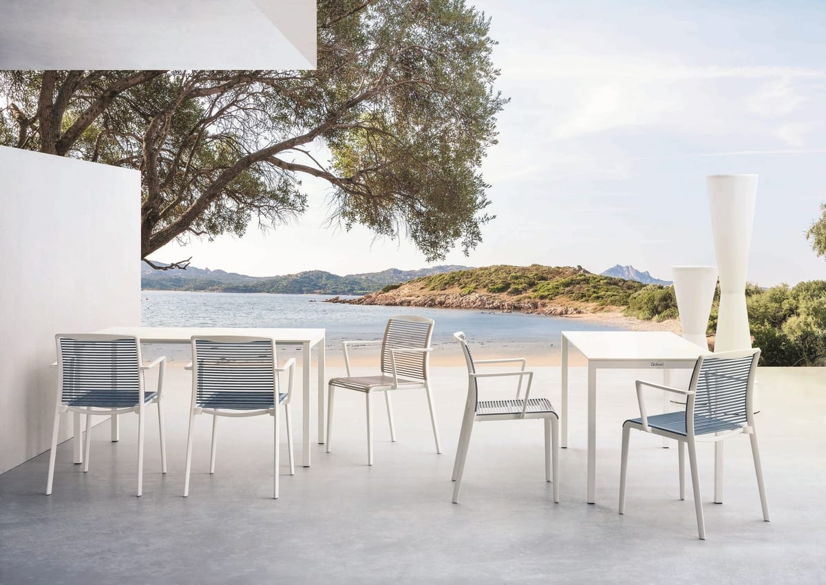 Avenica, Design chair in polymer with integrated armrests