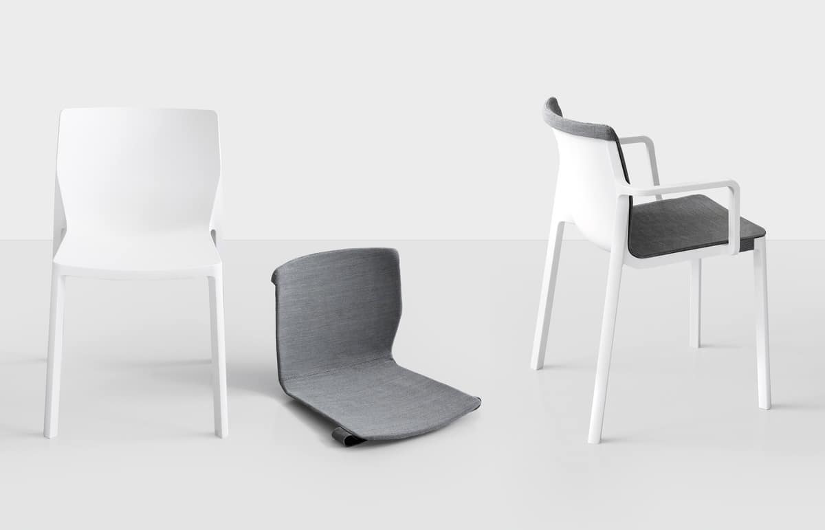 LP Padded, Chair in polypropylene and glass fiber, injection molded
