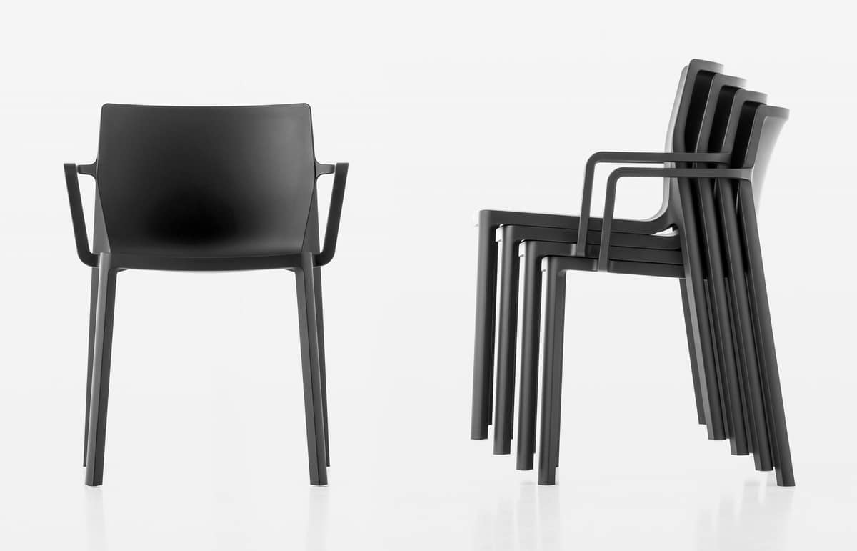 Chair design in glass fiber and polypropylene, with armrests
