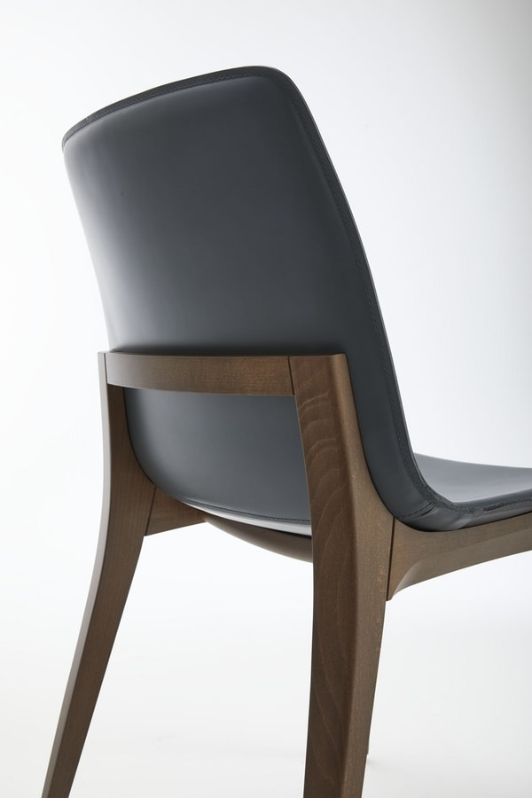 Aida, Padded chair with refined wooden structure