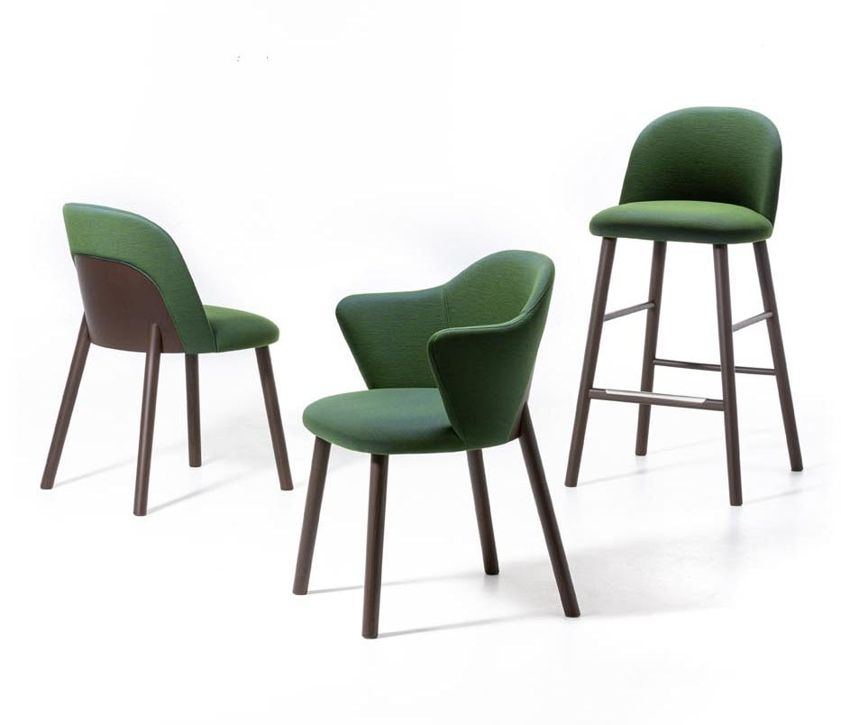 Doc, Chair in ash wood, with fireproof upholstery, soft and comfortable