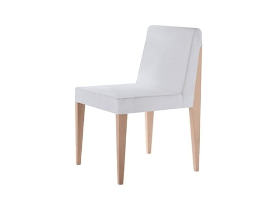 New York 630, Upholstered chair with a sophisticated design