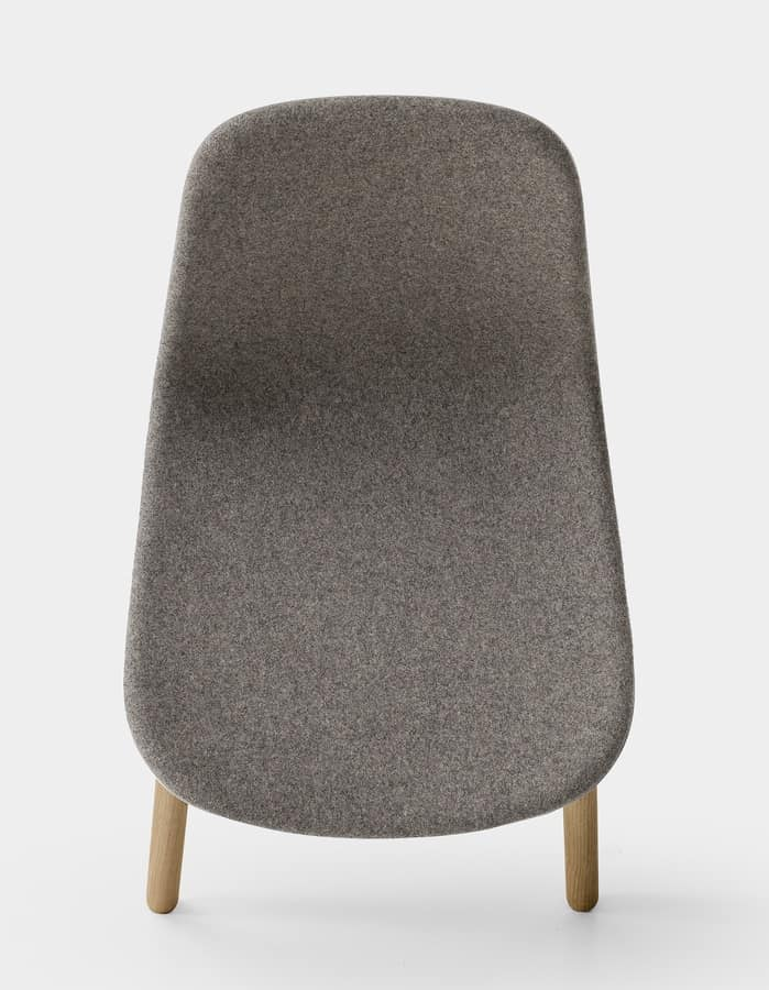 Sharky padded, Padded chair with legs in European oak