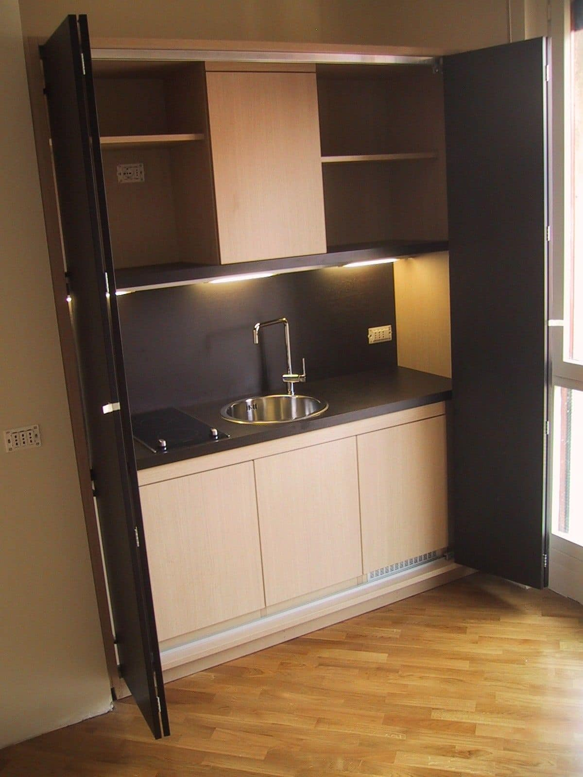 LINEA OFFICE, Kitchenette for small rooms, functional, customized