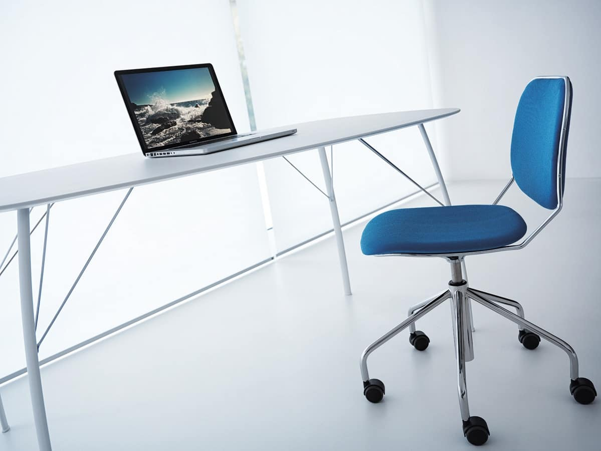 Bay R SW/FU, Upholstered chair on castors for office